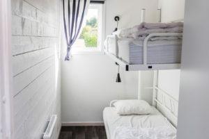 Sovrum med våningssäng stugan Måsen-Ålen.